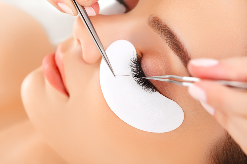 A woman getting lash extensions